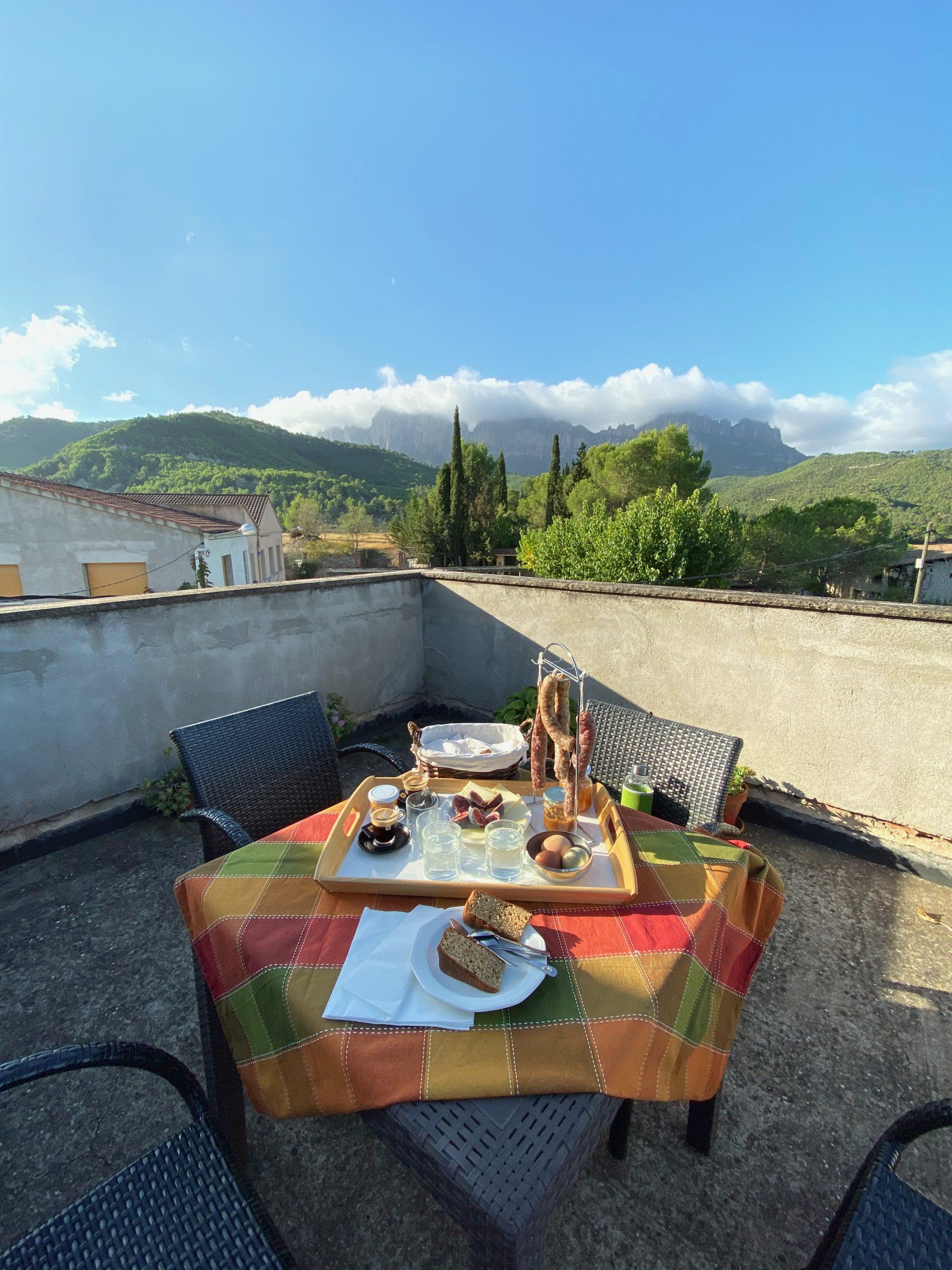 Àpat a la terrassa de l'habitació